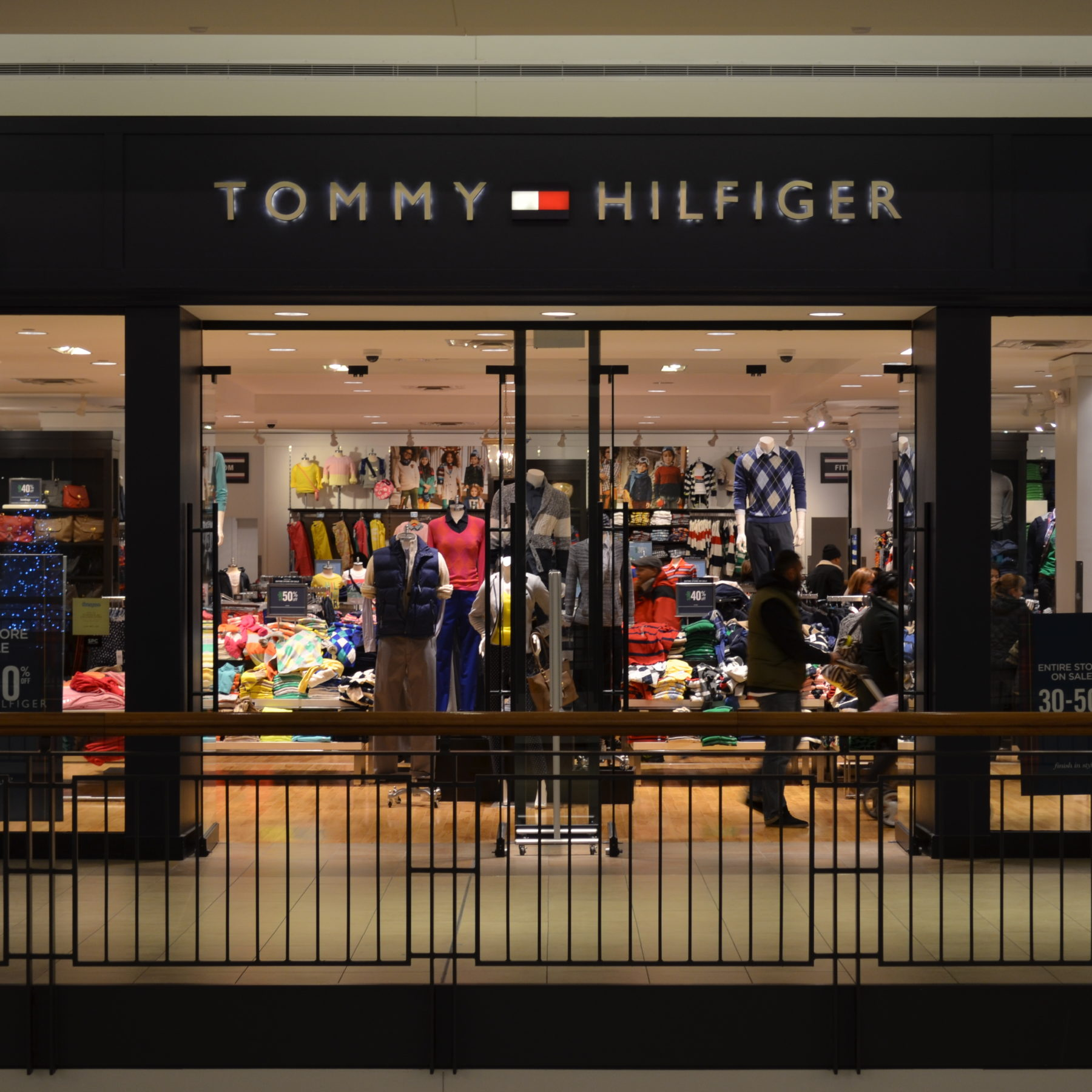 tommy-hilfiger-store
